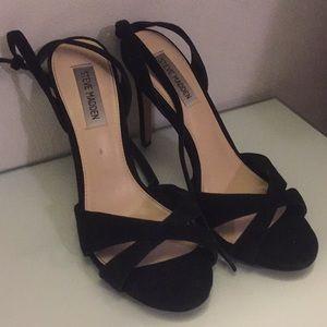 Steve Madden Black Velvet Cross Toe Heels!!!